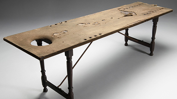 18th/19th century wooden dissecting table from the Doctors, Diss